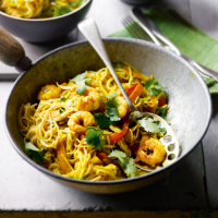 Singapore prawn noodles