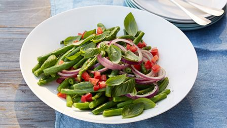 Green bean salad with tomato & basil dressing