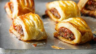 Fruity lamb sausage rolls