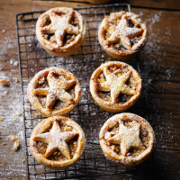 Martha's nut-crusted mince pies