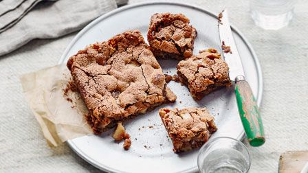 Apple & walnut blondies