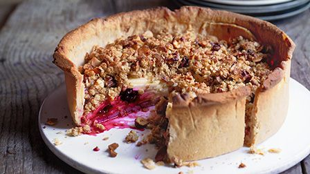 Apple & blackberry crumble pie