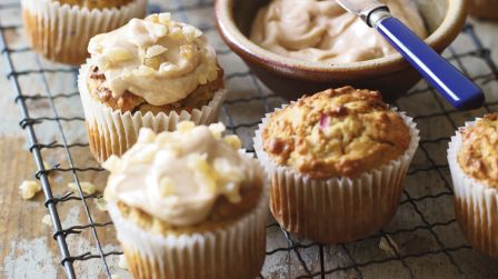Apple & walnut cakes