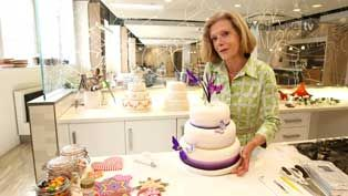 Fiona Cairns - how to decorate your own wedding cake