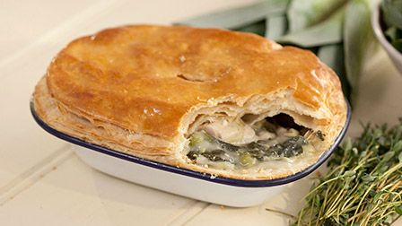 Get Baking with Paul Hollywood - Chicken pot pies