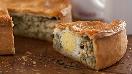 Get Baking with Paul Hollywood - Spinach and egg pie
