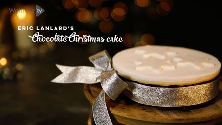 Love to bake: Eric Lanlard's Chocolate Christmas cake
