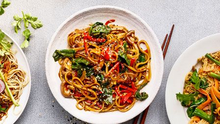 Japanese style stir-fry noodles