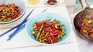 Three bean noodles with plums