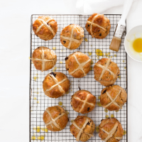 Hot cross apple scones